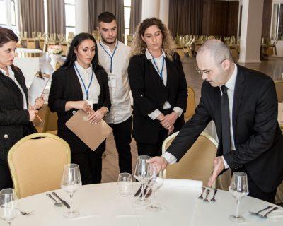 Menaxher Restoranti (Maître d'hôtel)